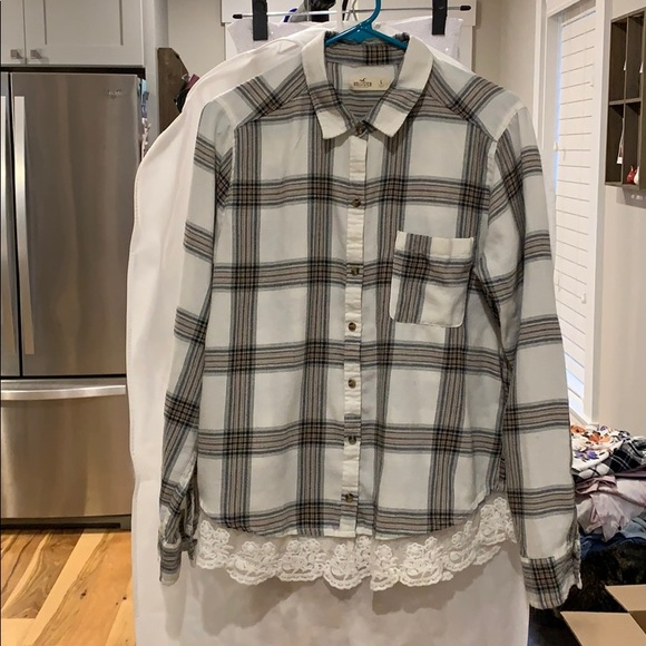 Hollister Tops - 🍁Hollister lace trimmed flannel button down sz L